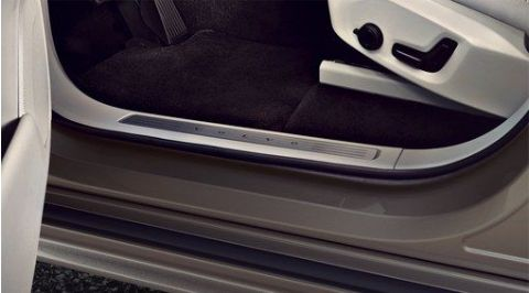 XC90 Illuminated sill mouldings